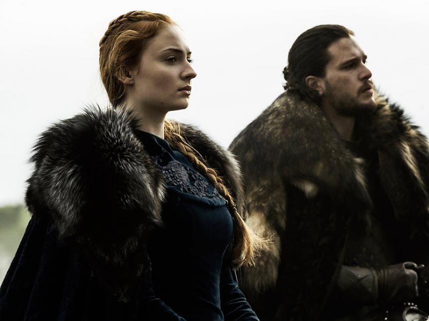 Jon Nieve y Sansa Stark