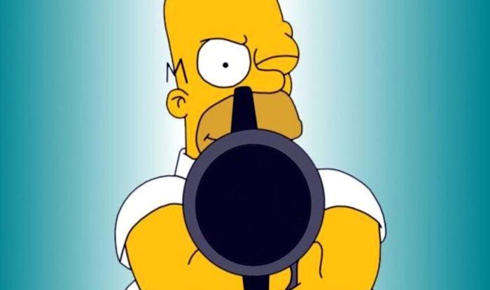 Fotos de Homer Simpson, apuntando con pistola
