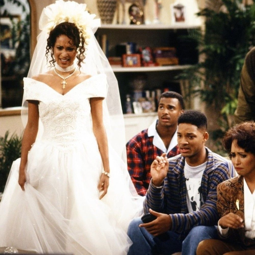Personaje de Hilary Banks con traje de novia en la serie de tv