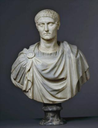 Personajes líderes históricos importantes, Constantino el Grande